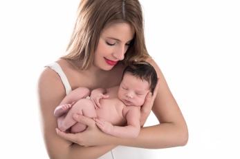 sesión de fotos de bebé newborn en la pobla de vallbona, valencia