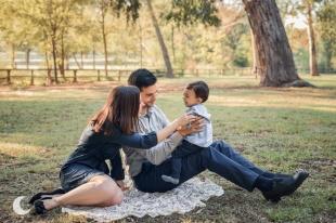 SESIÓN DE FOTOS FAMILIAR EN EL PARQUE SAN VICENTE DE LLIRIA, LUNALUPE FOTOGRAFÍA VALENCIA
