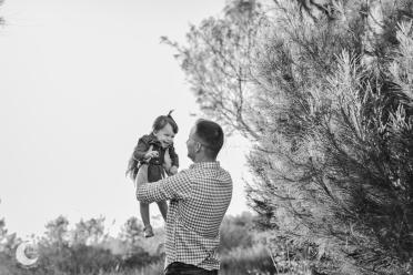 SESIÓN DE FOTOS FAMILIAR EN LA PLAYA, LUNALUPE FOTOGRAFÍA VALENCIA-15