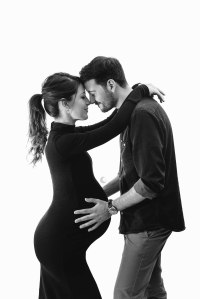 sesiones de maternidad en estudio, valencia, Lunalupe Fotografía