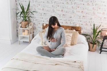 fotografía de embarazo en estudio, valencia, lunalupe Fotografía