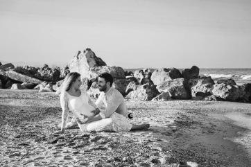 sesión de fotos premamá en la playa, lunalupe fotografía Valencia (11)